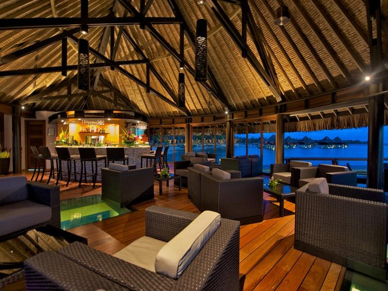 Le bar Te Miki Miki de l'hôtel Kia Ora