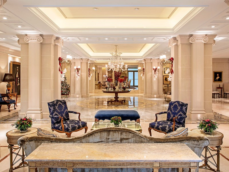 Le lobby de l'hôtel