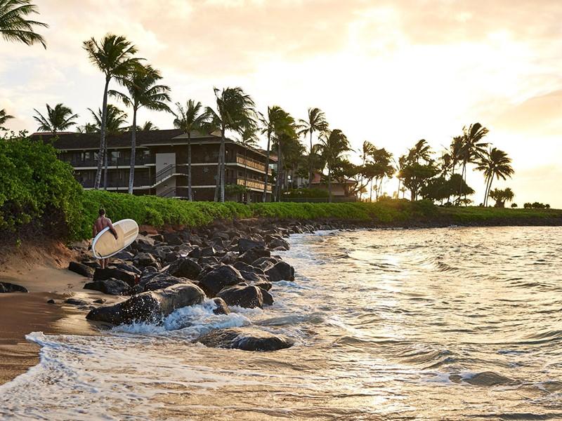 Les passionnés surf seront séduits pas le Koa Kea Hotel.