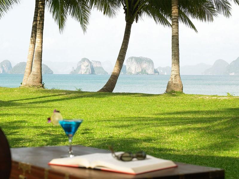 Savourez un cocktail face à une vue exceptionnelle