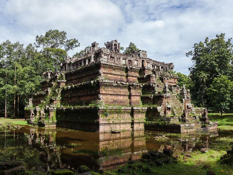 Visite de Phimeanakas à Angkor Thom