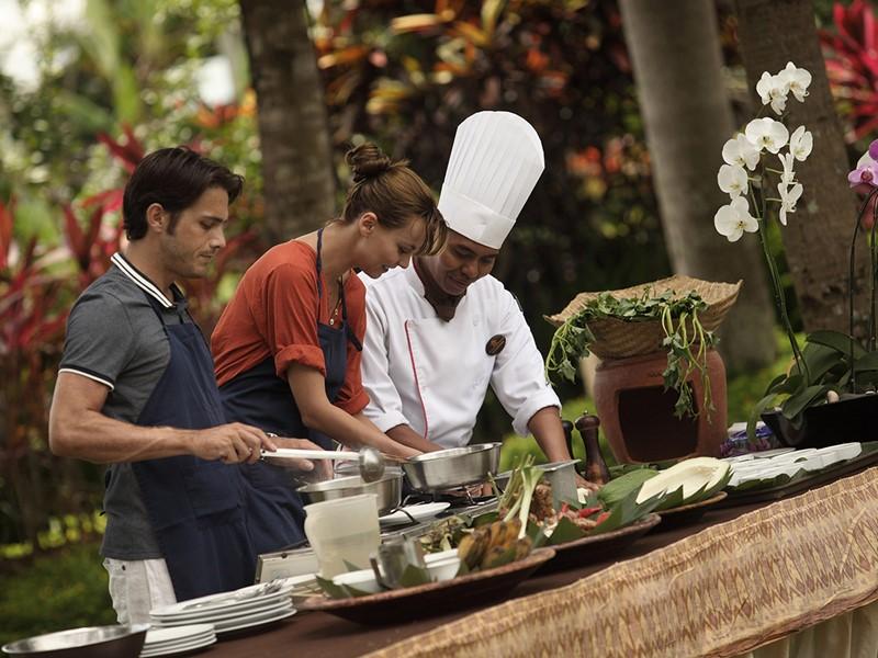 La cuisine Balinaise n'aura plus de secret pour vous après un cours de cuisine à l'Ubud Village
