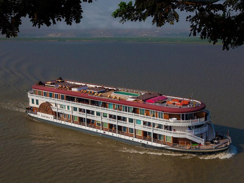 Vue aérienne du bateau Anarwrahta