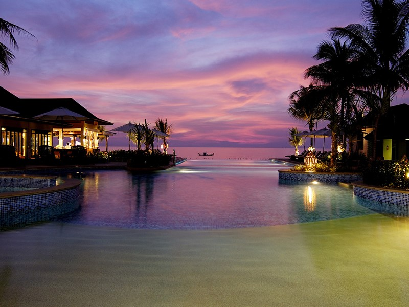 La piscine de La Flora Resort & Spa situé en Thailande