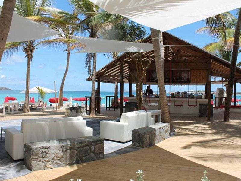 Le bar de La Plantation situé aux Antilles