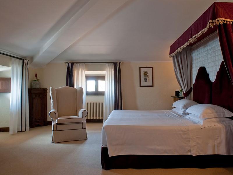 La Junior Suite de l'hôtel La Posta Vecchia à Rome