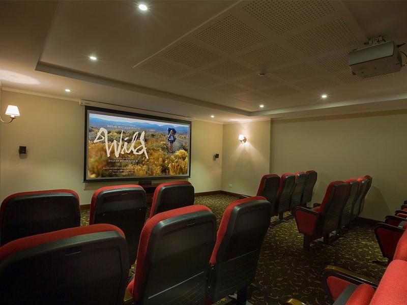 Le cinéma de La Siesta Hotel & Spa situé au Vietnam