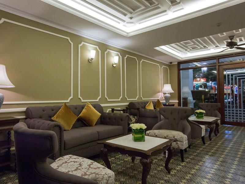 Le lobby de La Siesta Hotel & Spa situé au Vietnam