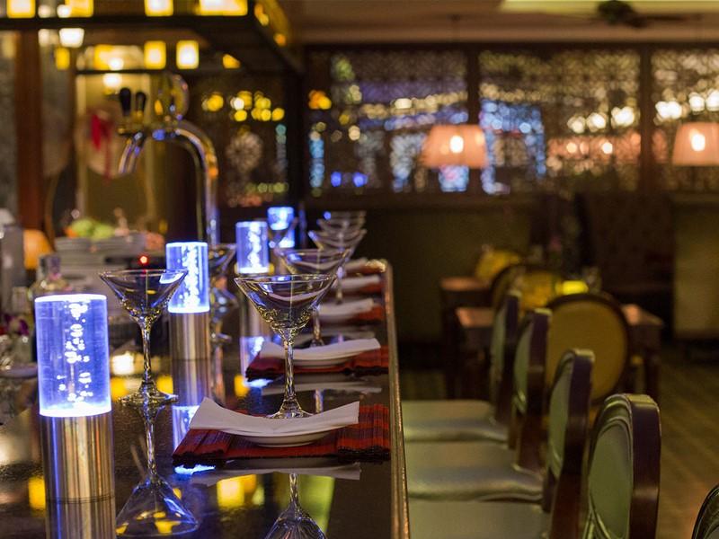 Le bar de La Siesta Hotel & Spa au Vietnam