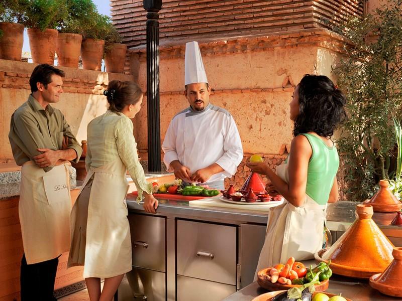 Cours de cuisine à l'hôtel La Sultana situé au Maroc