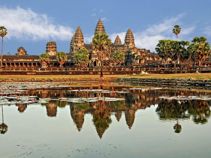 Visite du plus grand monument religieux au monde: Angkor Vat