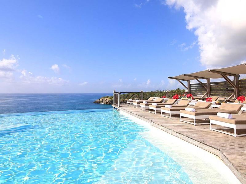 La piscine de l'hôtel La Toubana aux Antilles