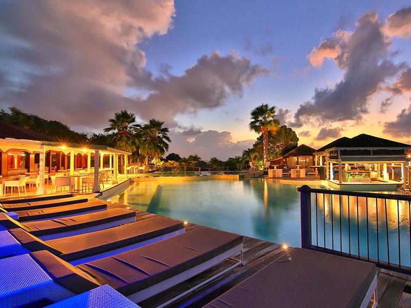 Autre vue de la piscine de l'hôtel La Toubana aux Antilles