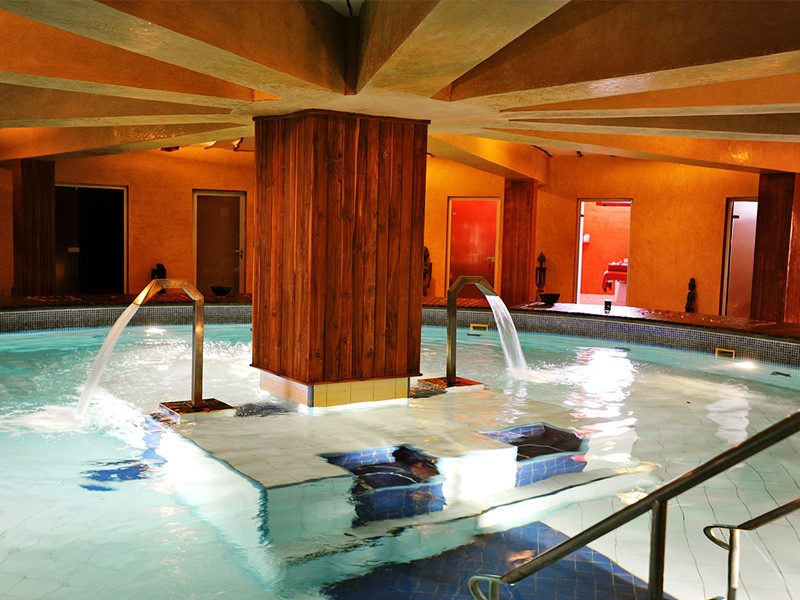 La piscine du spa de l'hôtel Lamantin Beach au Senegal