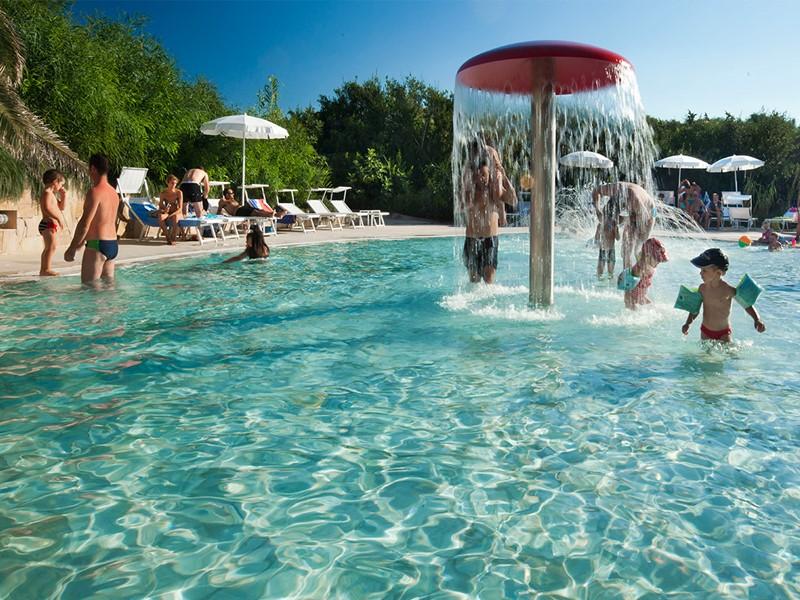 La piscine pour enfants de l'hôtel Le Dune Resort