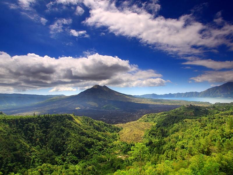 Découverte du village montagnard de Kintamani surplombant le volcan et le lac Batur