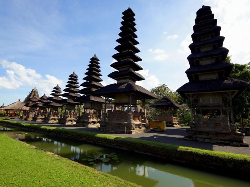 L'ancien temple de Taman Ayung est le deuxième plus grand temple balinais, oeuvre du roi le plus célèbre de Mengwi