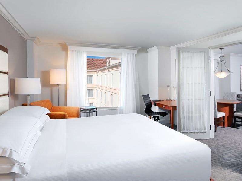 Doubletree Suites by Hilton suite Bedroom