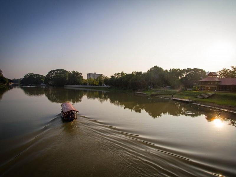 Balade en bateau sur la rivière Ping à Chiang Mai