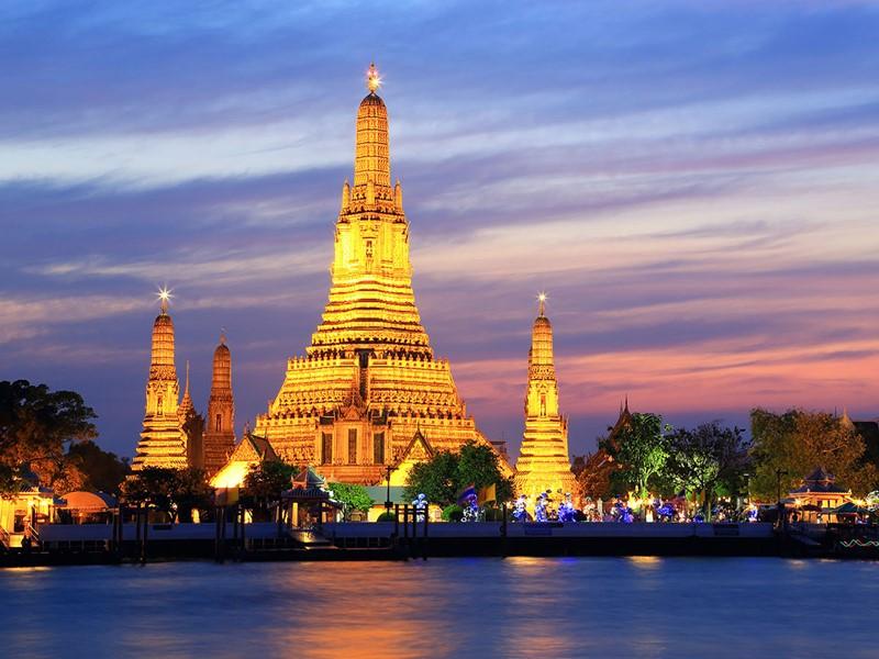Un des temples emblématiques de Bangkok; Le Wat Arun