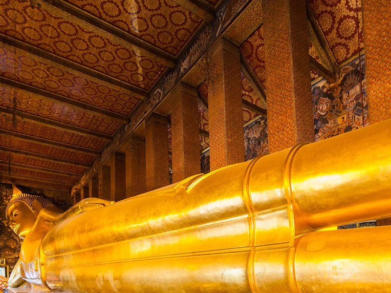 Le célèbre Bouddha Couché du temple de Wat Pho