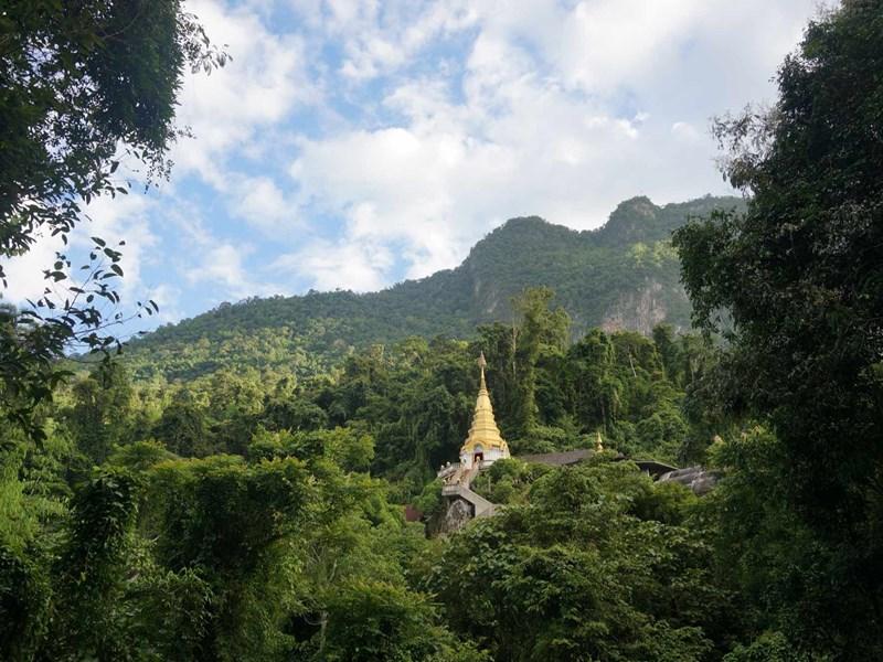 Chiang Dao et son temple en pleine nature
