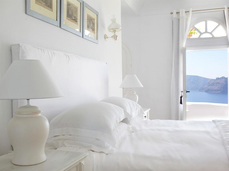 Suite sénior de l'hôtel Kirini Suites & Spa