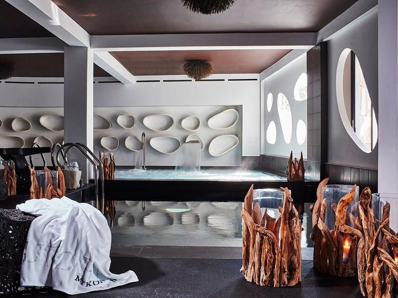 Thalassothérapie à l'hôtel 5 étoiles Myconian Utopia