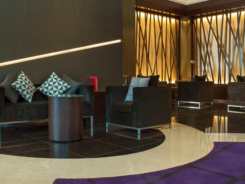 Lattitude 25 Bar de l'hôtel Méridien Mina Seyahi