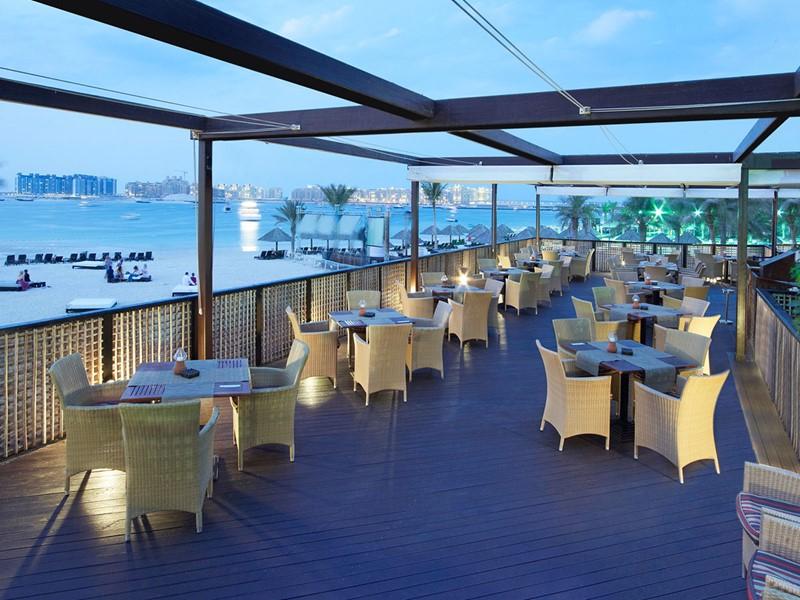 Autre vue du Barasti Restaurant du Méridien Mina Seyahi