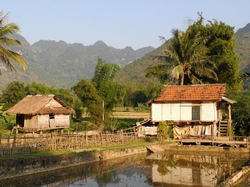 Traverserez des routes au charme typiquement vietnamien, jusqu?à arriver au c?ur des paysages montagneux du nord du pays.