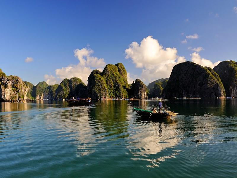 Vue de la Baie de Bai Tu Long