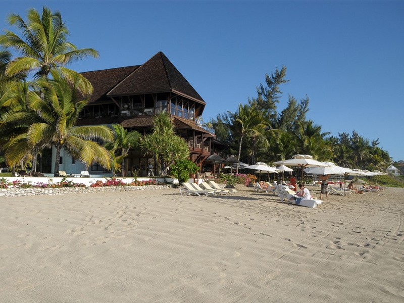 La plage bordant l'établissement