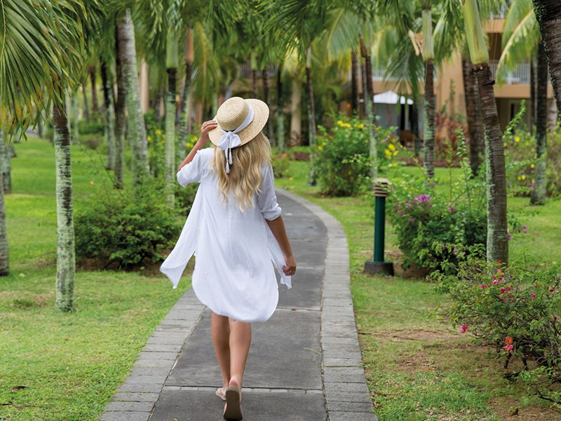 Promenez-vous dans les jardins luxuriants