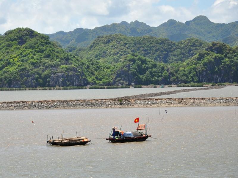 Arrivée sur la baie d'Halong depuis Haiphong