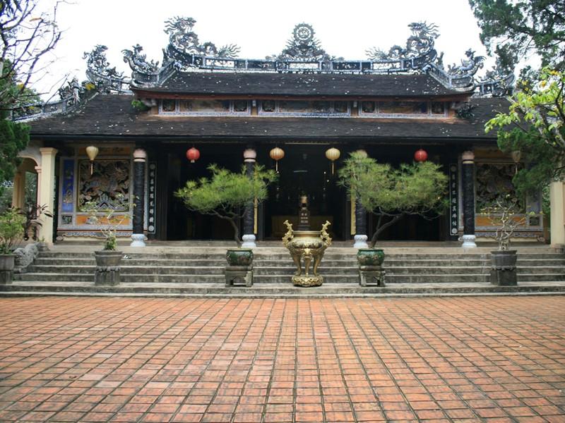 Vue de la pagode Tu Hieu