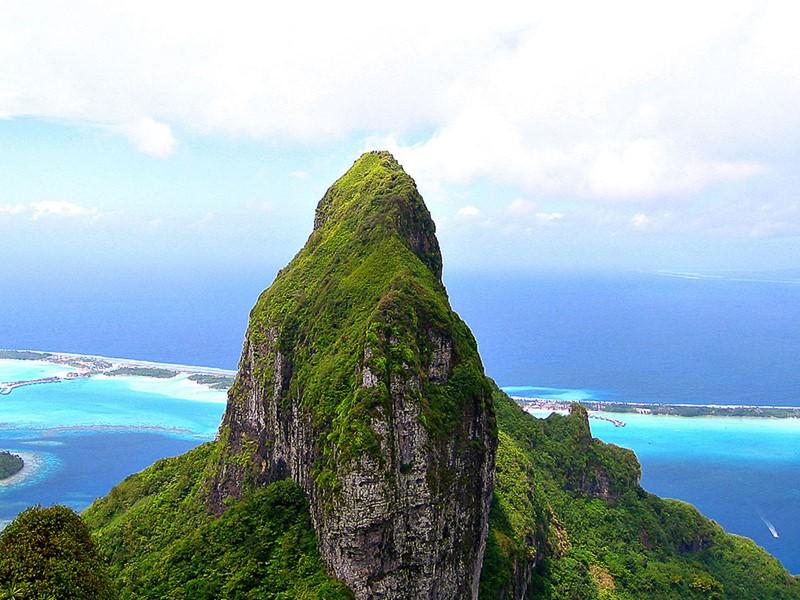 Le mont Otemanu