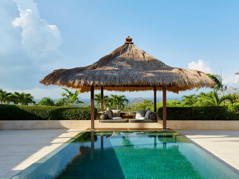 La piscine privée de la Suite Borubudu