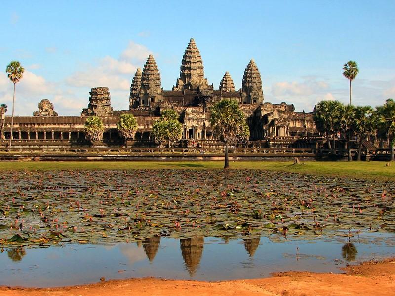 Visite du plus grand monument religieux au monde: Angkor Wat