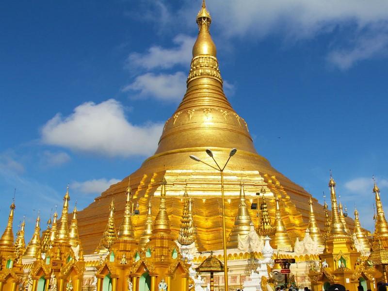 La magnifique pagode Shwedagon à Rangoon