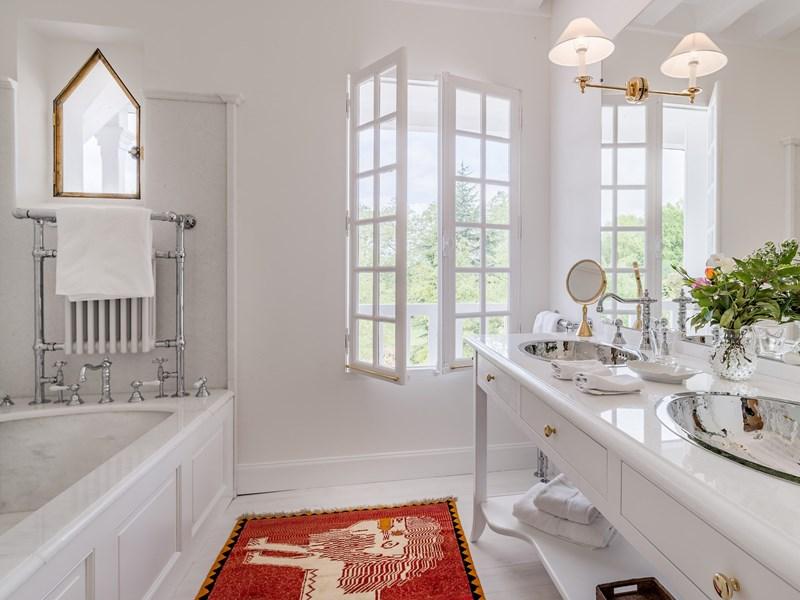 La salle de bain de l'une des superbes Suites