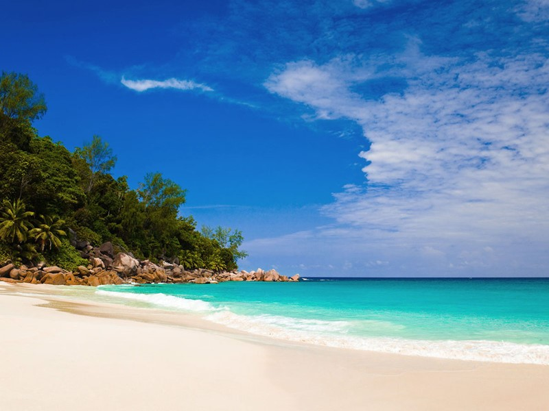 Profitez de la plage à l'atmosphère intimiste d'Anse Georgette à Praslin