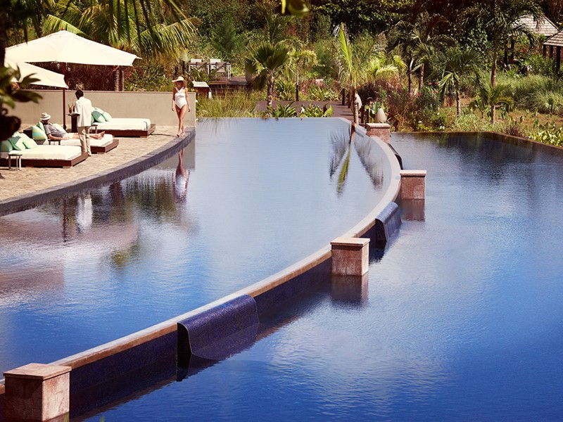 Séjournez au Raffles Praslin, qui offre une vue magnifique sur la mer, un service irréprochable et une restauration de qualité
