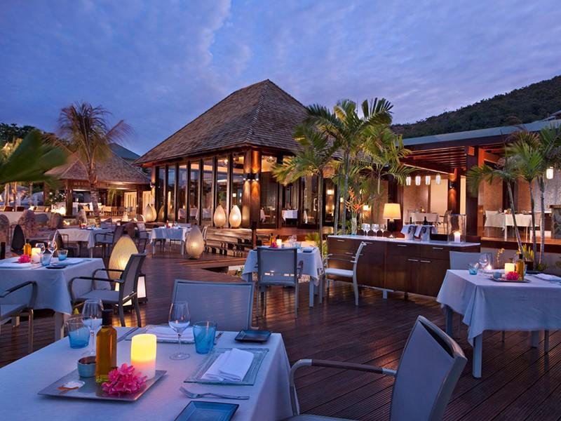 Saveurs créoles et occidentales raffinées des restaurant du Raffles Praslin