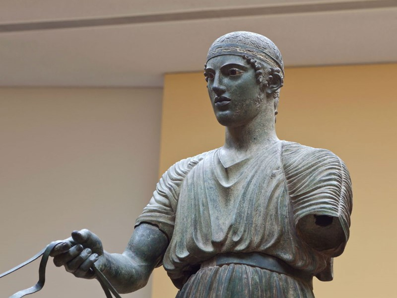 La célèbre aurige de Delphes