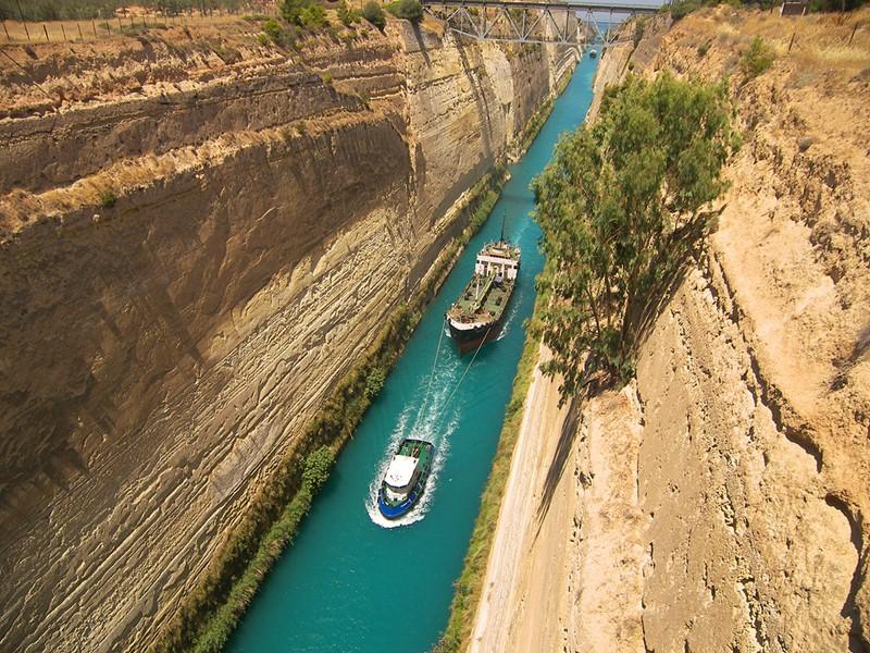Découvrez le canal de Corinthe