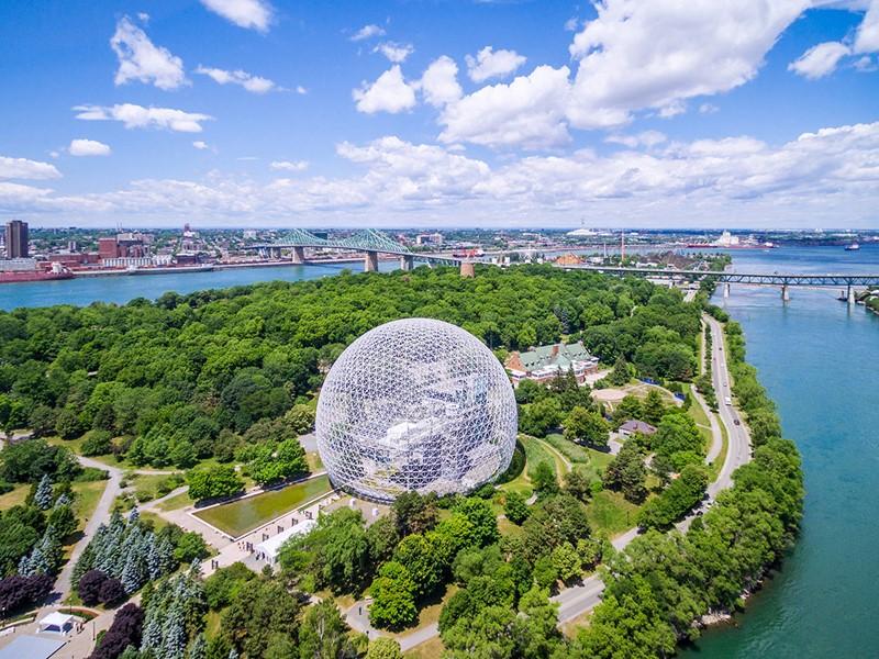 Au détour de vos visites, laissez-vous surprendre par la Biosphère, un musée consacré à l'environement
