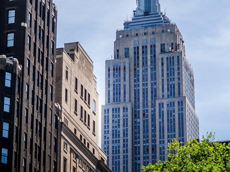 Au coeur de cette ville cosmopolite, apercevez l'Empire State Building