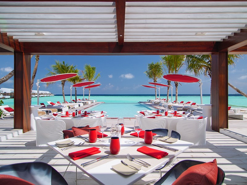 Le restaurant Beach Rouge du LUX* North Malé