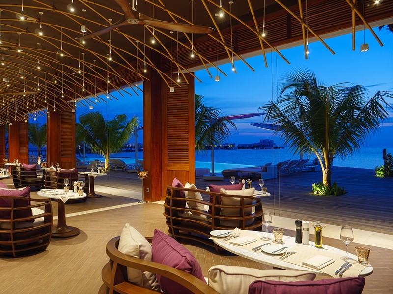 Le restaurant Glow de l'hôtel LUX* North Malé